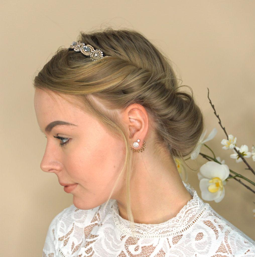 How To Video: Glamourøst hår til konfirmation på 2 minutter
